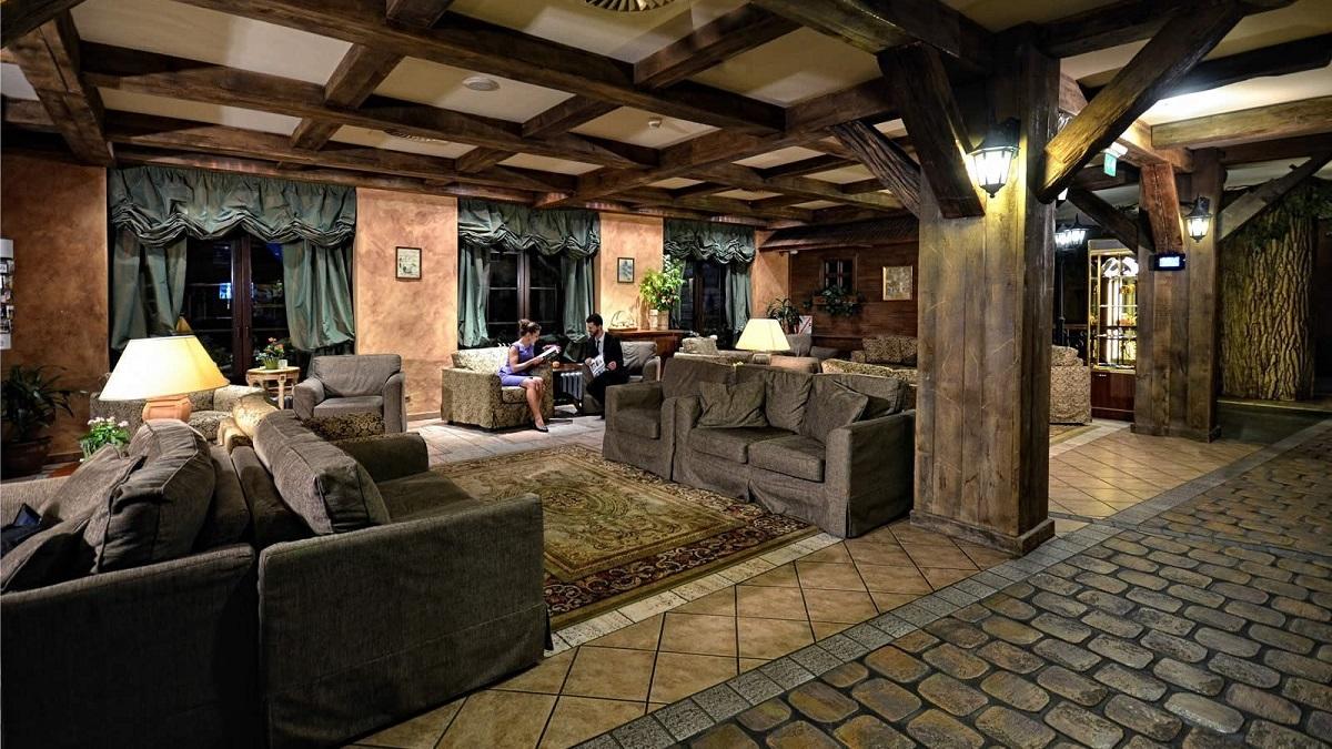 lobby-hotel-bialowieza