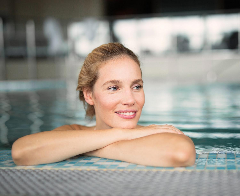 kobieta-basen